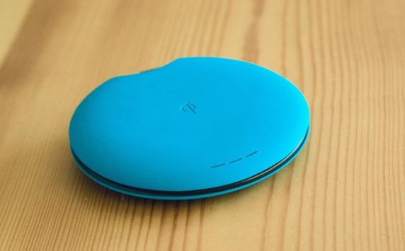 Qimini Deuce – портативный аккумулятор/беспроводное зарядное устройство