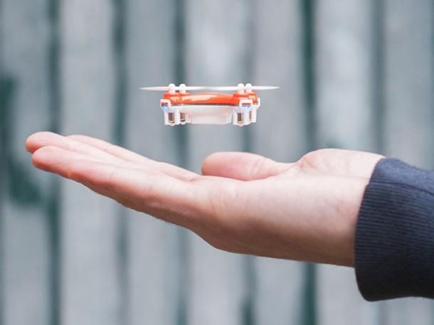 Маленький квадрокоптер SKEYE Nano для домашнего запуска