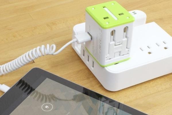 Smart Travel Router – маршрутизатор, адаптер электропитания и зарядное устройство