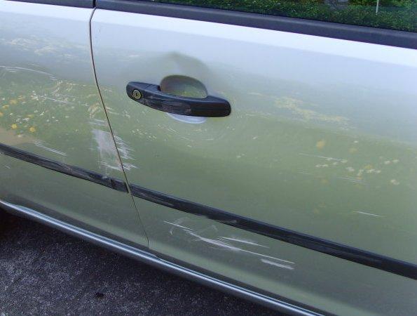 Смарт-панели позволят узнать, кто поцарапал вашу машину