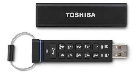 Флешка с физической клавиатурой от Toshiba