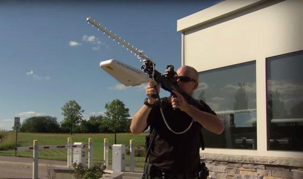 Ружье Battelle DroneDefender сбивает квадрокоптеры
