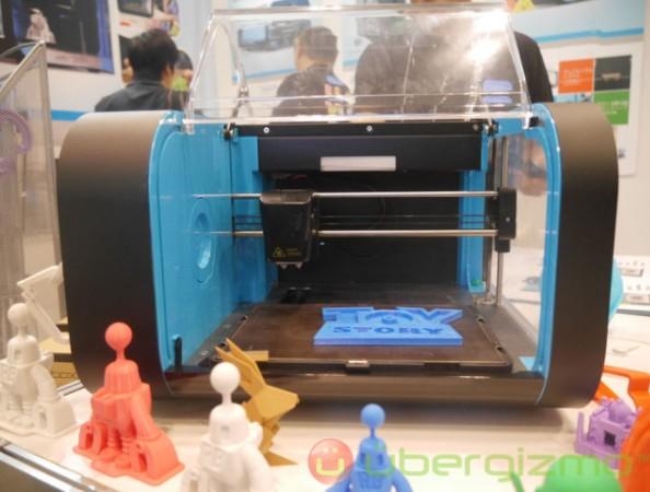 Настольный 3D-принтер Robox