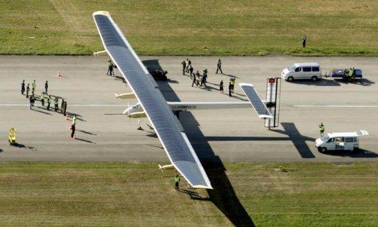 Кругосветное путешествие самолета на солнечных батареях вновь пришлось прервать