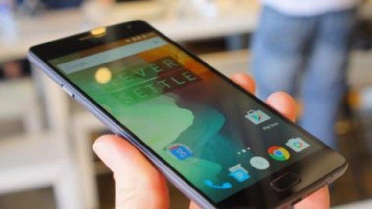 Специалисты составили рейтинг самых мощных смартфонов этого года