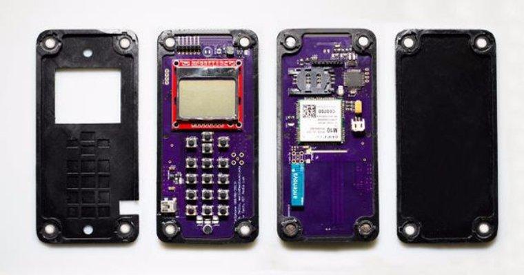 Американцы создали мобильный телефон, который собирается сам по себе