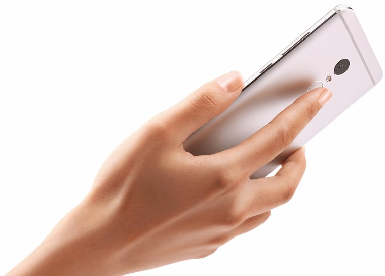 Завтра начнутся продажи мощного флагмана от Xiaomi