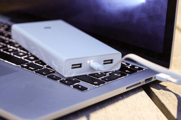 Xiaomi выпустила самый емкостный внешний аккумулятор