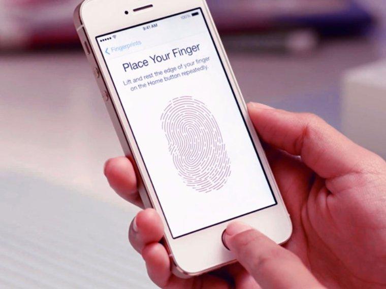 Apple предлагает использовать сканер отпечатков пальцев в своих устройствах для ловли воров