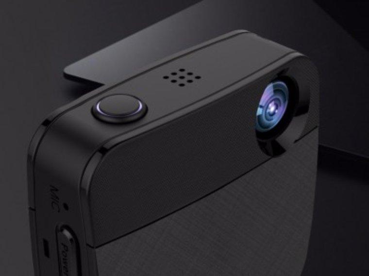 Китайцы показали носимую мини-камеру, которая позволит запечатлеть важные момент в жизни