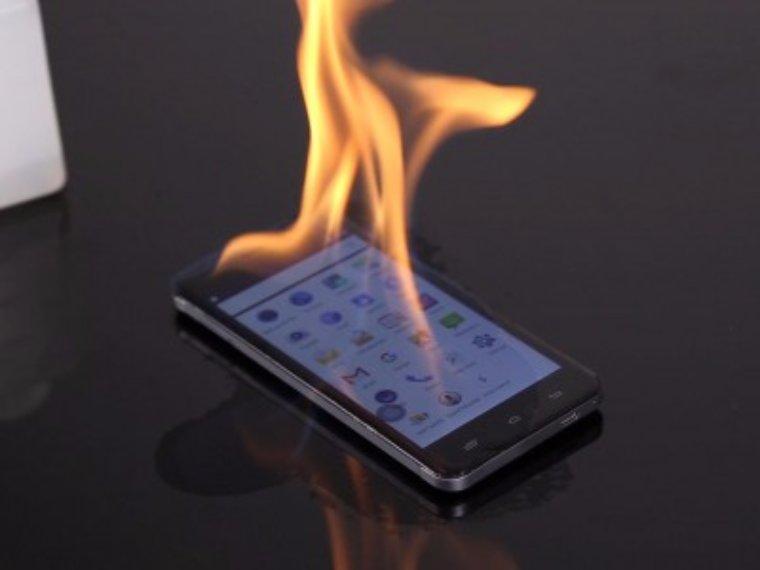 Цельнометаллический смартфон Ulefone Metal прошел испытание огнем