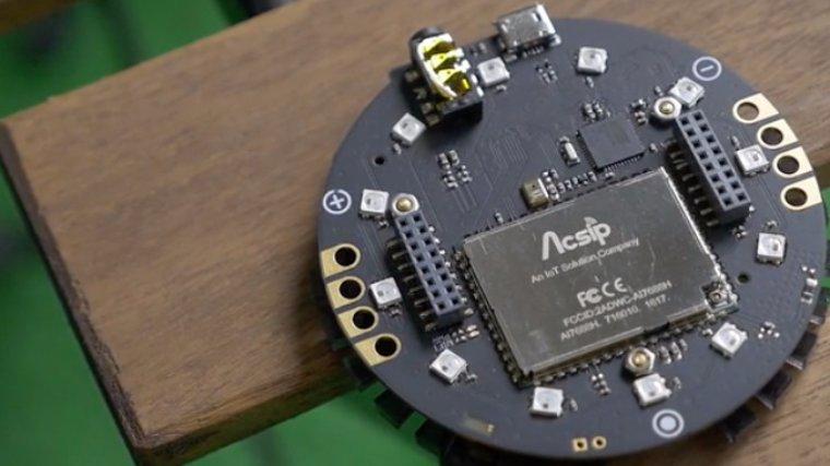 Девайс ReSpeaker  позволяет реализовать технологию голосового управления в любом устройстве