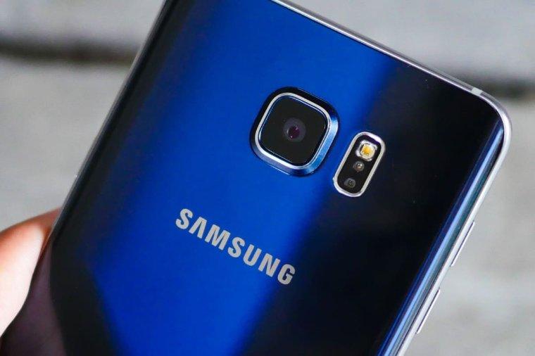 Росавиация запрещает включать Galaxy Note 7 в самолете