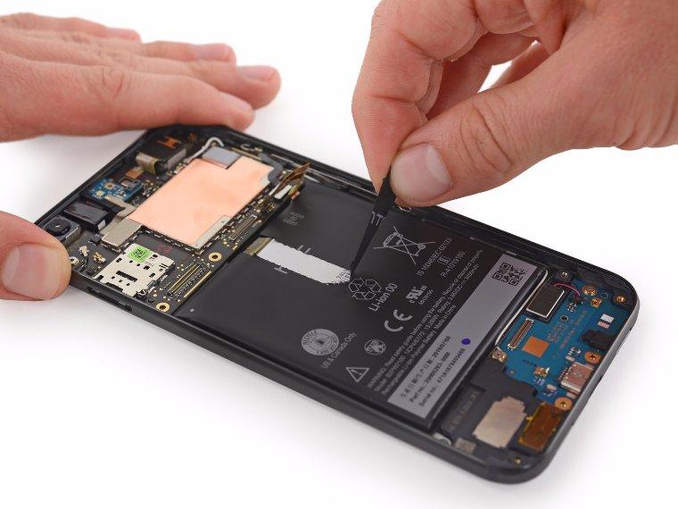 Эксперты разобрали Pixel XL и сделали выводы о его ремонтопригодности