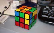 Робот установил новый рекорд скорости по сборке кубика Рубика