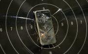 Прочность титанового iPhone 7  проверили пистолетом
