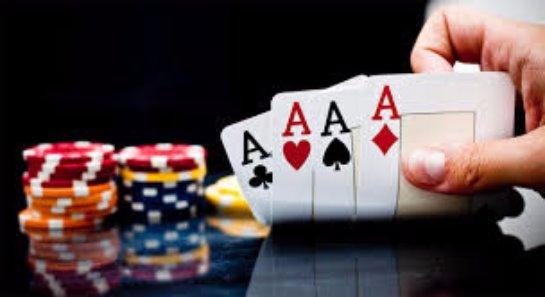 Приложение для игры в видео-покер на смартфоне