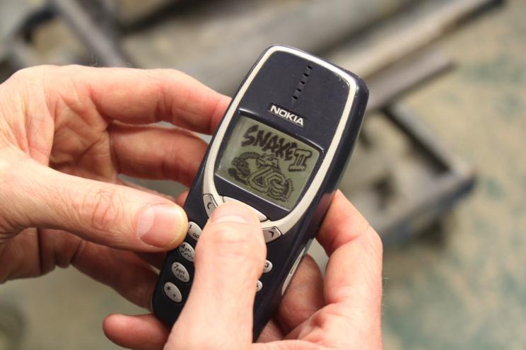 Nokia 3310 работает уже 17 лет и не ломается