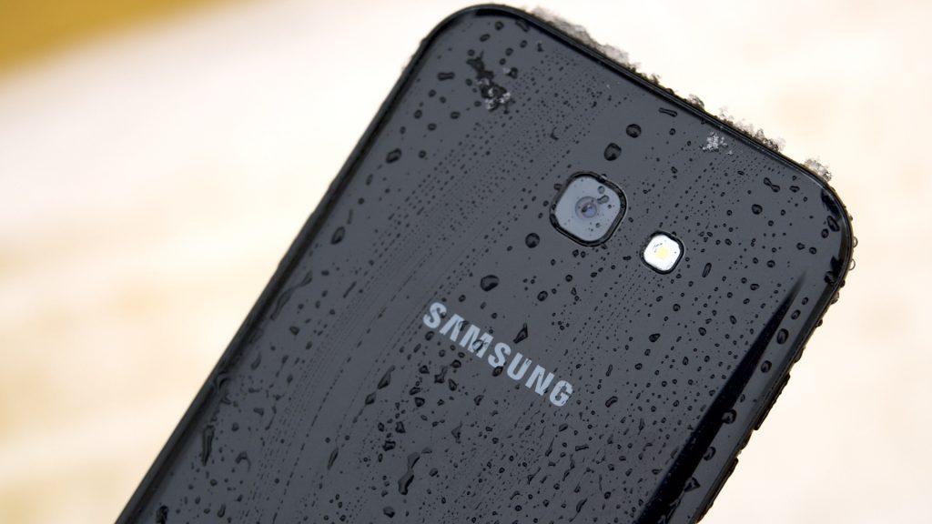 Обзор Samsung Galaxy A7 (2017): не боится воды и экономии