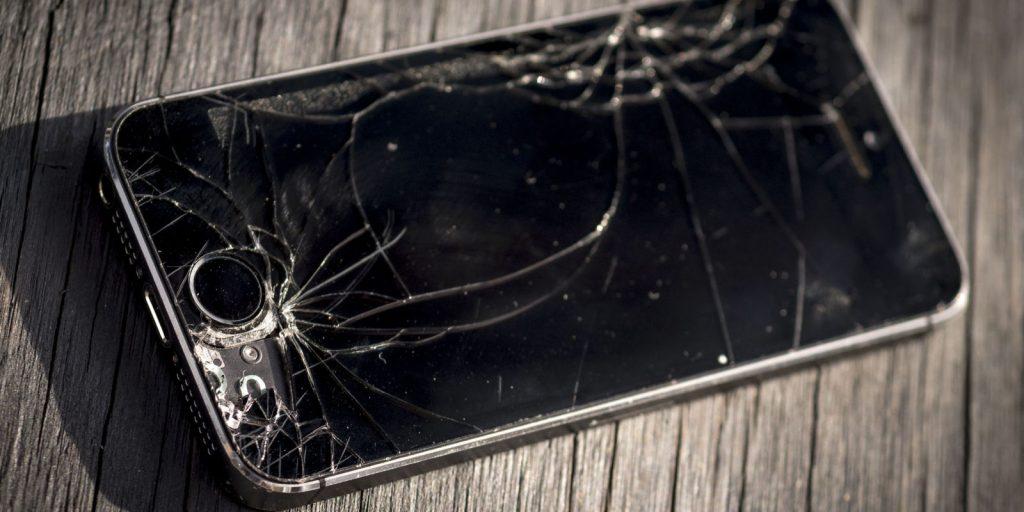 Поменял экран iPhone у неофициалов — сохранил гарантию. Новые правила Apple