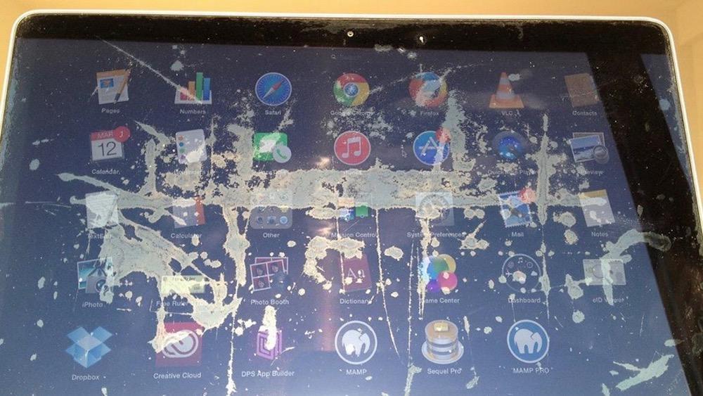 Apple продлевает гарантию на облезающие MacBook