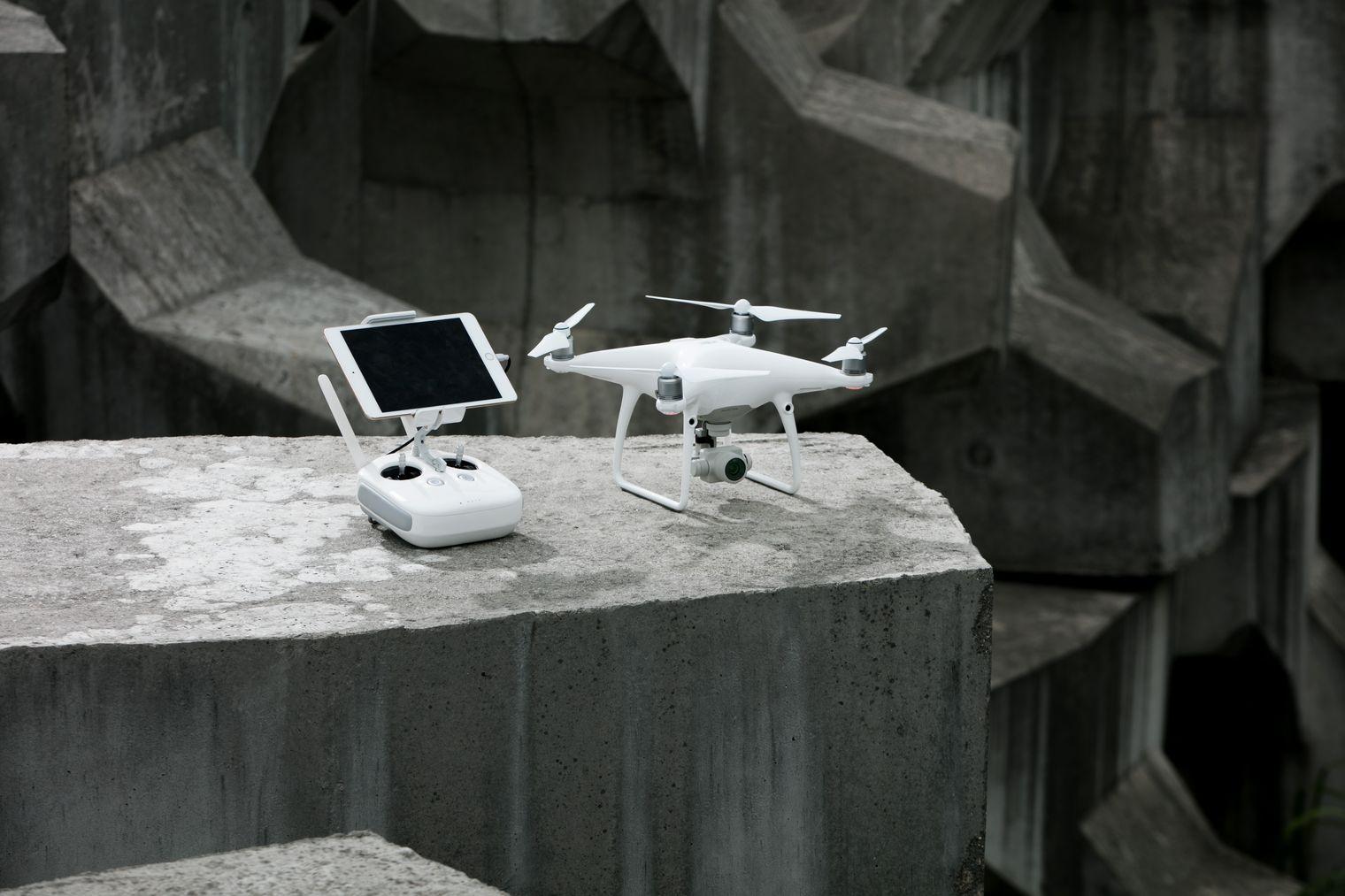 Царь дронов стал еще доступней — DJI обновила Phantom 4