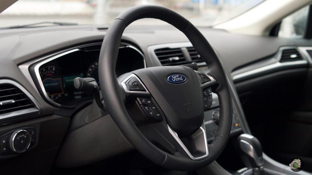 Обзор Ford Mondeo: когда хочется кататься в тишине
