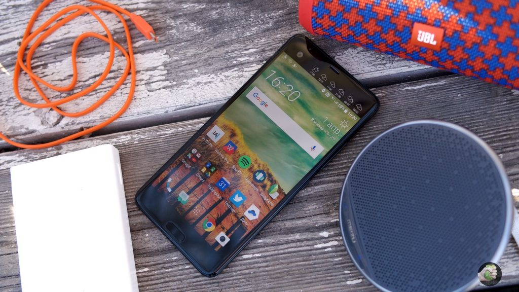 Обзор HTC U Ultra: большой космический флагман