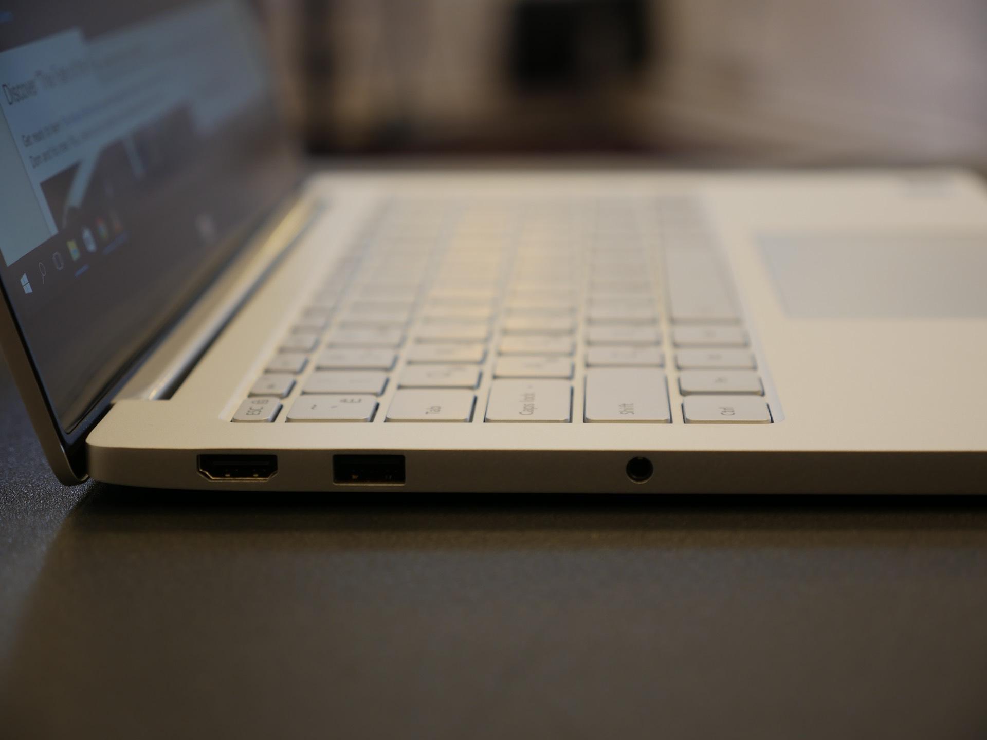 """Обзор Xiaomi Mi Notebook Air 13.3"""" — ноутбук, который сравнивают не с тем, чем нужно"""