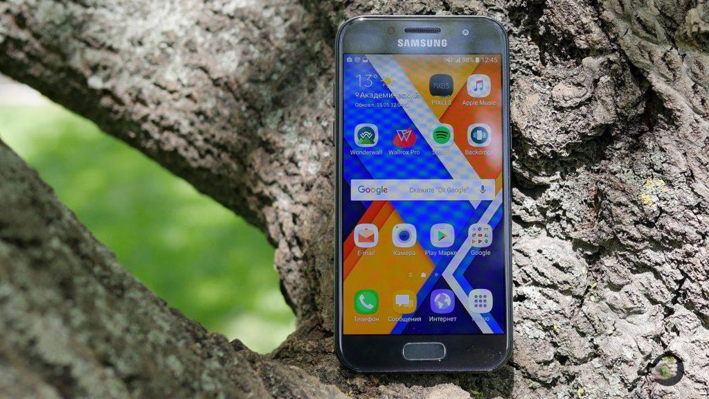 Samsung Galaxy A3 (2017): зачем платить больше?
