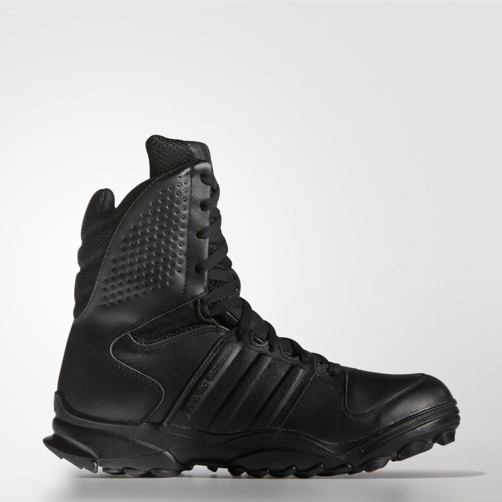 Что общего между спецназом, кроссовками «Москва» и фирмой Adidas?