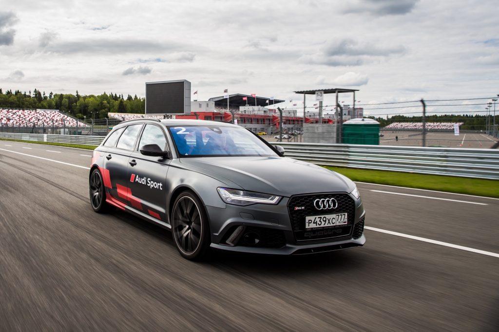 Погонял на Audi R8, RS7, RS6 на гоночной трассе Moscow Raceway