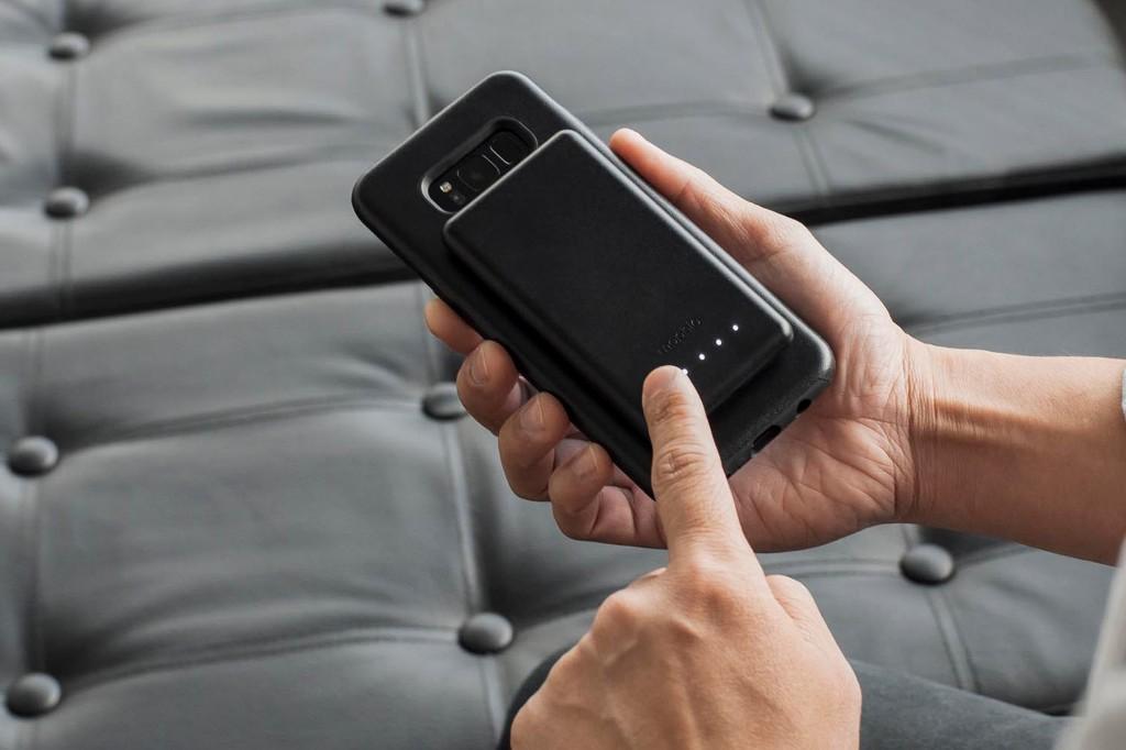 Новый чехол от Mophie зарядит Galaxy S8 и iPhone 7 без проводов