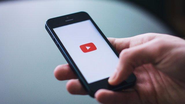 Стала известна причина отсутствия программы YouTube в операционной системе iOS