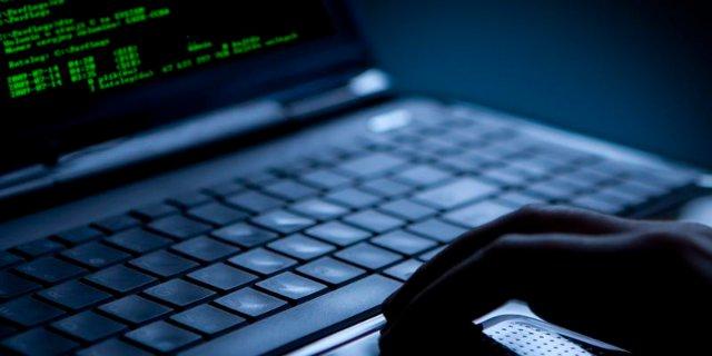 Выдавая себя за работников компании Microsoft, хакеры выманивали пароли у британских чиновников