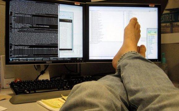 Автоматизировав тайком свою работу, программист тратил лишь пару часов в неделю