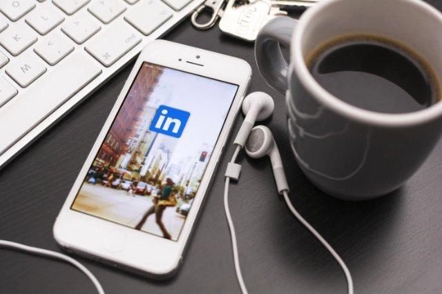 Новый инструмент LinkedIn сообщает компаниям о том, кто посещает их сайты