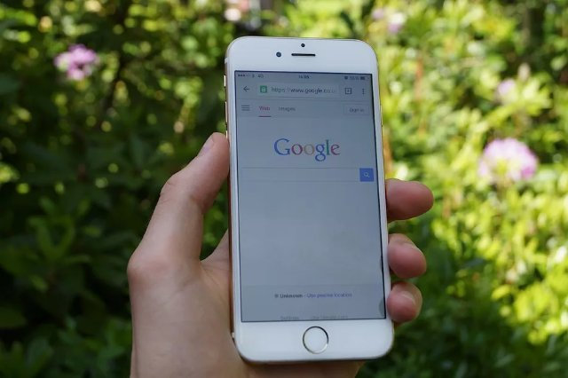 Google перестанет показывать результаты поиска по мере ввода на телефоне