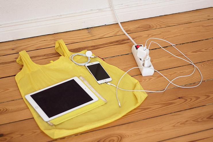 Как жить, когда вокруг всего 50 вещей? И сколько из них будет от Apple?