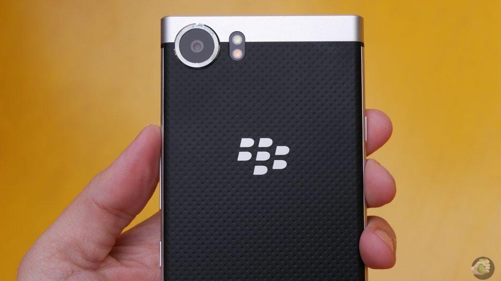 Blackberry KEYone: солидный Android с кнопочками