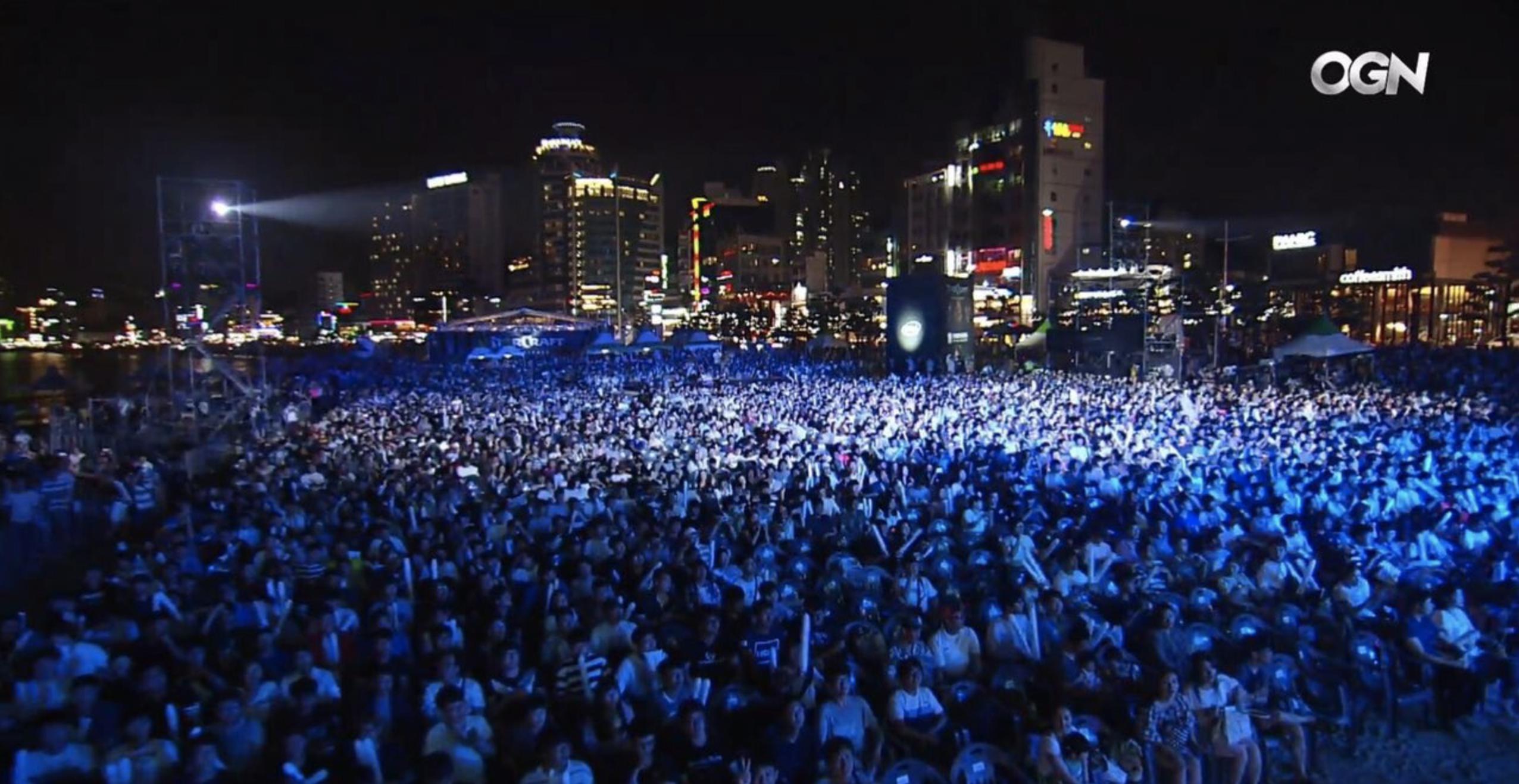 Это не концерт Леонтьева, это чемпионат по StarCraft в Корее
