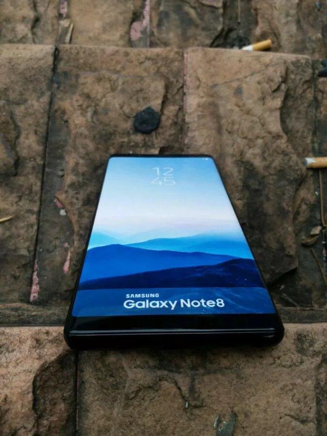 Еще одни фотографии смартфона Samsung Galaxy Note 8 просочились в сеть