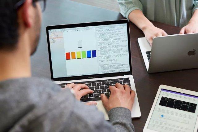Американские колледжи будут преподавать язык программирования Swift от Apple