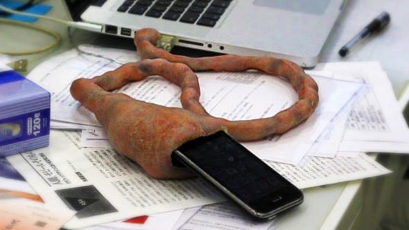 Вещь дня: самый мерзкий кабель для айфона