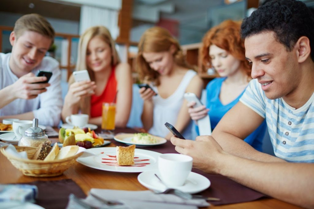 Как избавиться от соцсетей и начать жить?