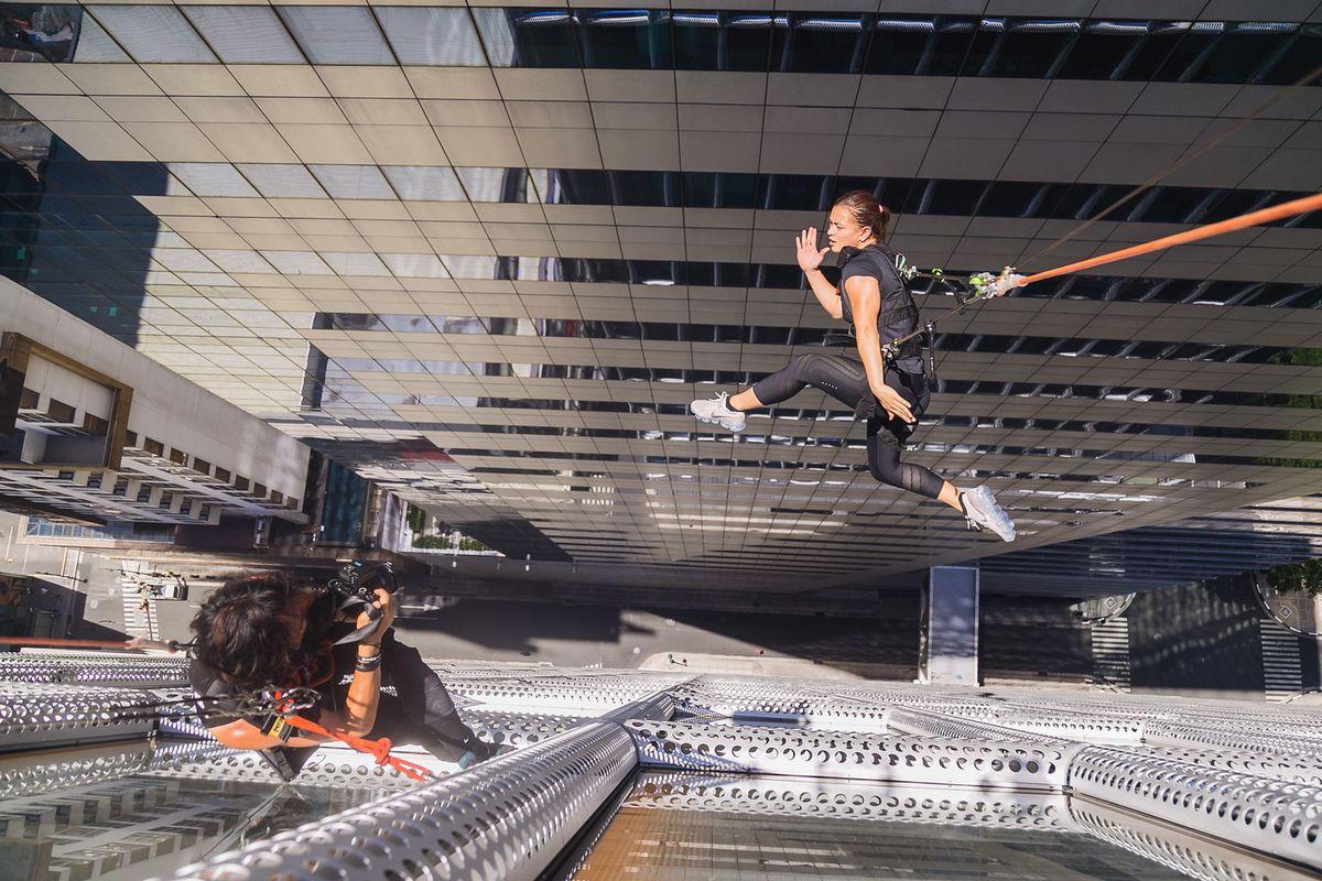 Фотограф рискует жизнями моделей ради коммерческой съёмки Nike