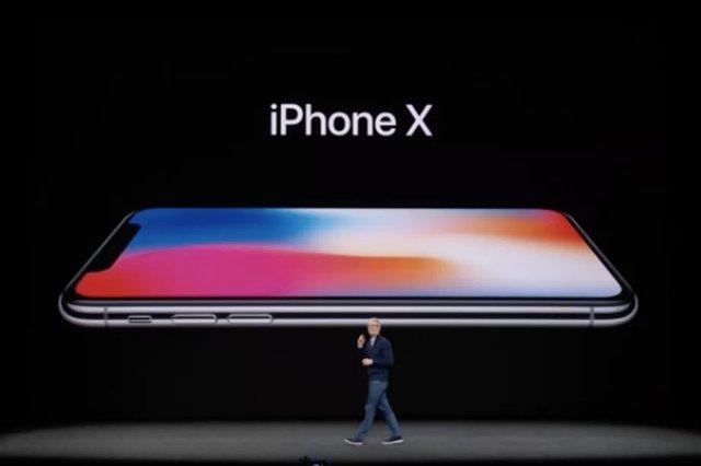 Apple может поставлять только половину устройств iPhone X, которые она первоначально планировала выпустить в этом году