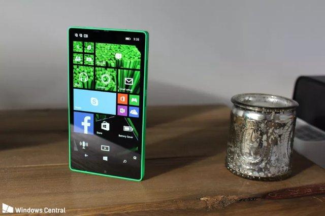 Microsoft почти сделала безрамочный Windows Phone в 2014 году, и он отлично смотрелся