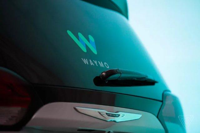 Alphabet's Waymo запускает публичную кампанию по укреплению доверия к беспилотным автомобилям