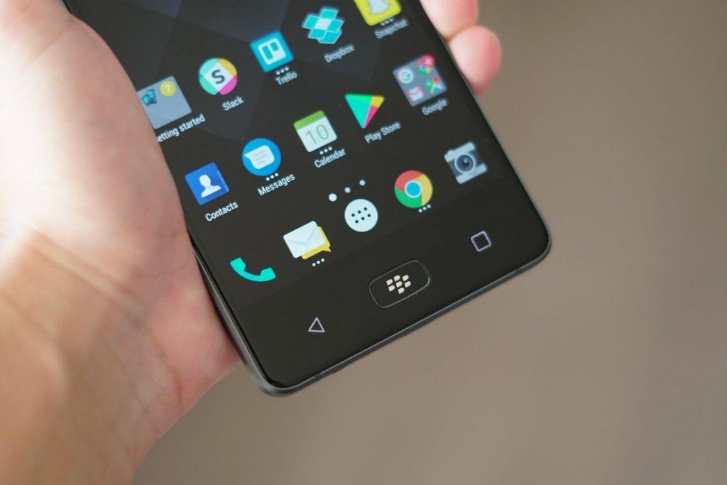 BlackBerry Motion: стоит купить, если надоело ВСЁ